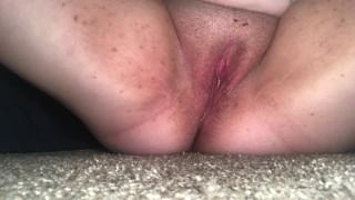 Kövér amatőr roma csaj maszturbál